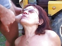 Old woman with glasses getting fucked