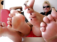 Two Matures Show Their Feet