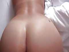 Cumming on moms ass
