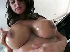 Brandy - body lotion boob massage