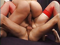 FRENCH MATURE TAKES ANAL & A DOUBLE PENETRATION 2